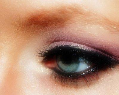 Occhi da cerbiatta grazie al tightliner