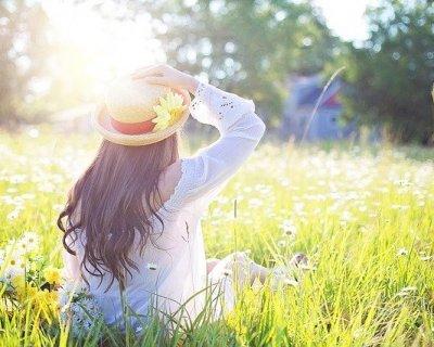 Crema solare ma non solo: ecco come prepararsi al sole estivo