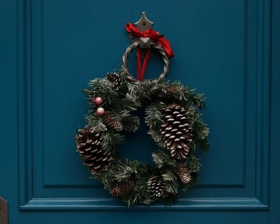 Ghirlande di natale fai da te per porte di ingresso e - Ghirlande per porte natalizie ...