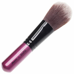 Pennello Glossy Smooth Neve Makeup