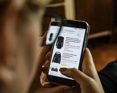 Comprare abbigliamento online