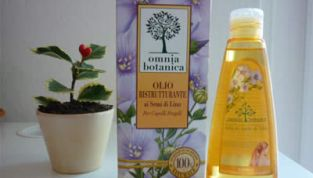 Olio ristrutturante ai semi di lino Omnia Botanica