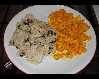 Gamberetti al curry e riso basmati alle spezie