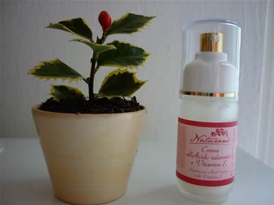 Crema viso all'acido ialuronico e vitamina E di Naturans