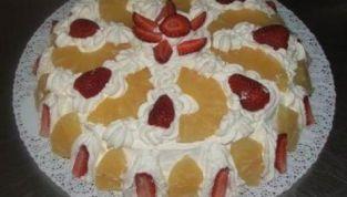 Torta all'ananas e fragole