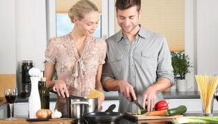 Se l'uomo aiuta in casa la coppia funziona meglio