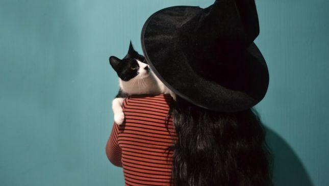 Streghe di Halloween: ecco come creare un cappello da perfetta streghetta
