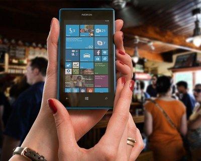 Nokia Lumia 800: il nuovo smartphone cool che vi porterà da Babbo Natale