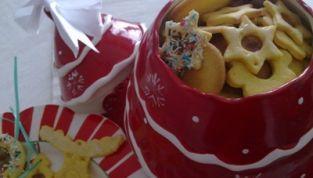 Biscotti di Natale da appendere