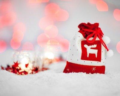 Regali per neonati maschi e femmine – Scopri le idee regalo più belle Abbiamo creato una lista che comprende le 40 idee regalo più belle e utili per la nascita di un bimbo e di una bimba, dai più economici (10 €) ai più costosi (oltre €) proponendo per ciascuno la .