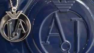 Borse in vernice Armani jeans Primavera-Estate 2012: colori e prezzi