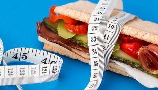 Italiani a dieta prima dell'estate: gli errori da evitare