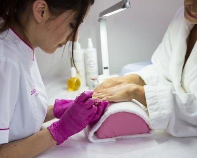 Idee nail art sposa 2012