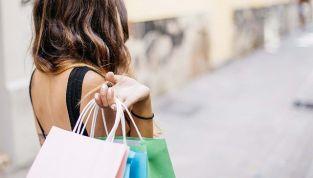 I 10 capi da comprare con i saldi estivi 2012