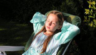 Protezione solare per i bambini, ecco le regole base