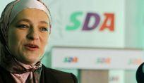 Amra Babić sindaco donna con il velo