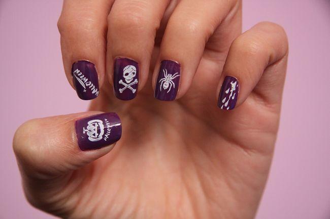 Halloween nail art stamping