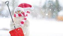 Come realizzare un pupazzo di neve natalizio fai da te per casa