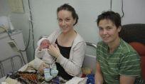 Francia: il primo nato nel 2013 è figlio di una coppia gay