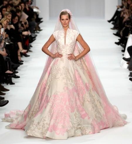 Abiti da sposa rosa per un matrimonio romantico e femminile for Red and white wedding dresses 2012