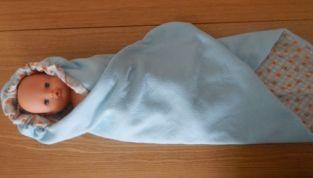 Copertina con cappuccio per neonato fai da te