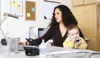 Classifica delle 100 aziende che più agevolano le madri lavoratrici.
