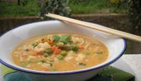 Zuppa di gamberi con Noodles alla Thailandese