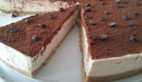 Cheesecake al caffè: torta fresca e delicata, golosa ma non eccessivamente dolce