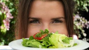 Perché è sconsigliato mettersi a dieta in adolescenza