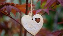 Far fatica ad innamorarsi e a lasciarsi andare: come sbloccarsi?