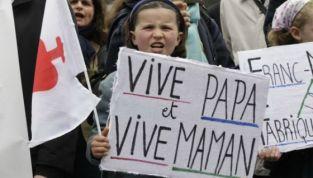 Francia: i termini madre e padre non esisteranno più