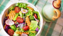 Ingredienti salutari da aggiungere all'insalata