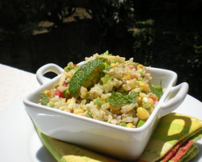 Insalata di riso con verdure e tonno rosso