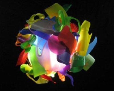 Oggetti di design creati con materiale riciclato for Oggetti di arredamento