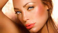 Consigli make up per esaltare abbronzatura