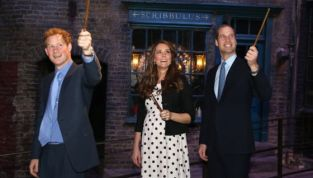 Royal Baby: Kate Middleton ha partorito ed è maschio