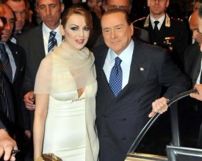 Berlusconi e Pascale già sposi