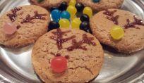 Biscotti a forma di renna al cacao e spezie