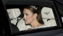 Kate Middleton indossa una tiara per il ricevimento a Buckingham Palace