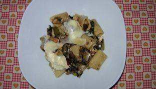 Pasta al forno invernale con radicchio e castagne