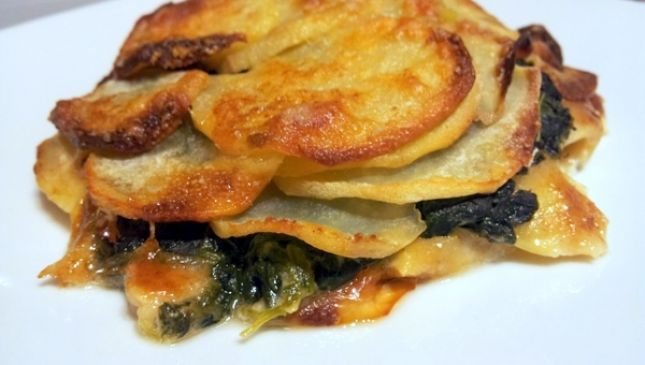 Tortino di patate e spinaci come piatto unico vegetariano