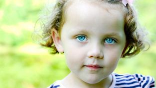 Rimedi naturali per la congiuntivite: quando le erbe sfiammano gli occhi rossi
