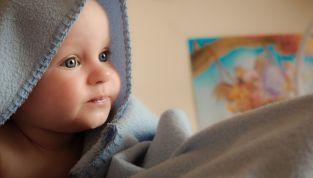 Come stimolare i 5 sensi del neonato e il loro sviluppo