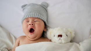 Corredino bebè: come scegliere la taglia e cosa portare in ospedale
