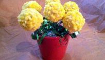 Cake pops mimosa per festeggiare in dolcezza l'8 marzo