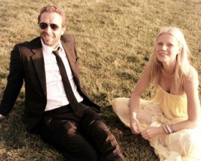 Gwyneth Paltrow e Chris Martin si separano dopo 10 anni d'amore. «Ma resteremo sempre una famiglia»