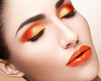 Orange make up: il colore arancione è un must!