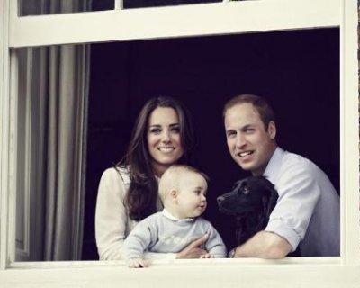 Kate Middleton, il principe William e George: la nuova foto ufficiale della Royal family