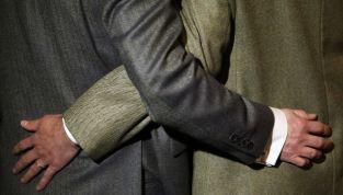 Matrimoni gay in  Inghilterra e Galles: ora si può. Elton John: «cerimonia a maggio»