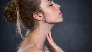 Sintomi della mononucleosi: come si manifesta la malattia del bacio?